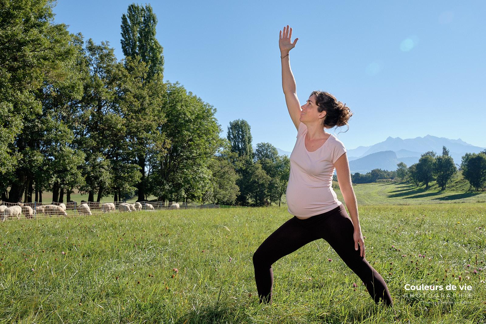 Yoga-prenatal-nature